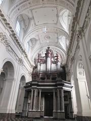 Organ and ceiling vaults, Cathédrale Saint-Aubain, Namur, Belgium (Paul McClure DC) Tags: namur namen belgium belgique wallonia wallonie ardennes feb2018 cathedral historic architecture