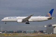 United Airlines - Boeing 787-9 Dreamliner N24973 @ London Heathrow (Shaun Grist) Tags: n24973 ua united unitedairlines boeing 787 dreamliner shaungrist lhr egll london londonheathrow heathrow airport aircraft aviation aeroplanes airline avgeek landing 27l