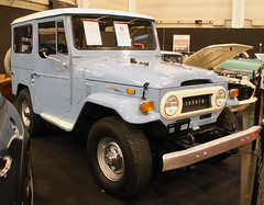 Land Cruiser (Schwanzus_Longus) Tags: essen motorshow german germany asia asian japan japanese old classic vintage car vehicle 4x4 awd 4wd offroad offroader toyota land cruiser