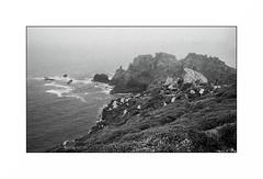 Crozon (Punkrocker*) Tags: leica m6 summicron c 40mm 402 film ilford pan 400 nb bwfp landscape sea coast mer iroise mist beach finistere pennarbed bretagne brittany breizh france