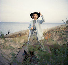 img006 (Leon-ars) Tags: portrait girl beauty film mediumformat 120film 6x6 yashica autumn portra kodak analog color