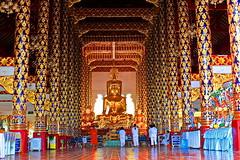 "Wat Suan Dok, วัดสวนดอก (ol'pete) Tags: พุทธกาลนิชน buddhist เชียงใหม่ chiangmai โบสถ์ ""templeassemblyhall"" ประเทศไทย thailand เมืองไทยวัด wat temple วัดสวนดอก ""watsuandok"" ""canoneos350d"" ""efs1855mm"" earthasia"