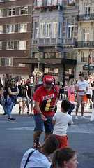2018-07-14_18-44-14_ILCE-6500_DSC08917 (Miguel Discart (Photos Vrac)) Tags: 2018 88mm beleng belgie belgique belgium bru brussels bruxelles bxl bxlove e18135mmf3556oss focallength88mm focallengthin35mmformat88mm ilce6500 iso160 photoderue photography sony sonyilce6500 sonyilce6500e18135mmf3556oss street streetphotography worldcup worldcup2018