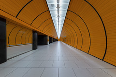 The Future's Orange (Andrew G Robertson) Tags: munich munchen metro marienplatz bavaria underground tunnel bahnhof bahn ubahn s u orange germany deutschland geometry