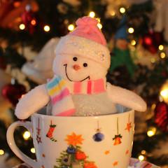 Smile! :-) (Argyro Poursanidou) Tags: snowman christmas cup bokeh holidays