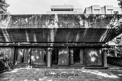 Terasse # 12 # Nikon F3 Agfa APX100 - 2015 (íṛíṡíṡôṗĕñ ◎◉◎) Tags: nikon f3 agfa apx 100 schwarzweiss blackwhite bw film negativfilm analog irisisopen