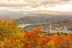 Flag Rock Overlook (Back Road Photography (Kevin W. Jerrell)) Tags: wisecounty norton virginia autumn autumncolors fall fallcolor backroadphotography nikond7200 colorful mountains