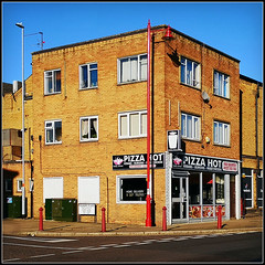 Pizza Hot (Jason 87030) Tags: square food pizza kebab shop takeaway building architecture town dominos piece slice huawei p20 pro northants northamptonshire menu frame border windows delivery toppings cheese southoftheborder daventryfatgirl