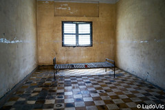 S21 Museum (Lцdо\/іс) Tags: phnompenh tuolsleng khmer cambodge cambodia kambodscha s21 jail prison rouge red pol pot travel trip city museum musée genocide sad historic history historique lieu asia asian lцdоіс