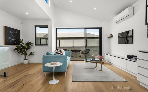 2/100 The Parade, Ascot Vale VIC 3032