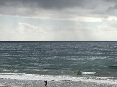 Tons cinzentos (Viva as Cores - Márcia Aki) Tags: nwn sea mar sky clouds salvador bahia brasil