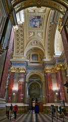 walkway St Stephen basilica Budapest (hansntareen) Tags: ststephen basilica budapest hungary ungarn 2018
