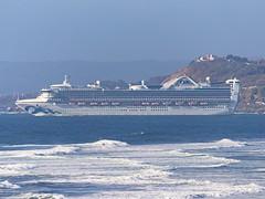 STAR PRINCESS, partiendo de San Antonio. (Andres Bertens) Tags: 6079 olympusem10markii olympusomdem10markii olympusm75300mmf4867ii olympusmzuikodigital75300mmf4867ii rawtherapee starprincess vessel ship crucero cruise barco