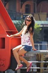 Simpatia (carlos_ar2000) Tags: modelo model posando posing sonrisa smile chica girl mujer woman bella beauty sexy calle street retrato portrait linda pretty gorgeous buenosaires argentina