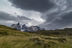 Torres del Paine, Los Cuernos (Ann Kruetzkamp) Tags: torresdelpaine torresdelpainenationalpark nationalpark park cordillerapaine loscuernos patagonia argentina chile hiking adventure backcountry trekking camp camping landscape mountains landscapephotography family friends goretex people journalism canon 5d 5dmarkii cold wind weather adventuretravel travel panorama canon5d markii canon5dmarkii february photography trek kruetzkamp 2018 annkruetzkamp ann kruetzkampcom mountain cerro