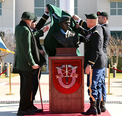 COL Donlon Medal of Honor Retirement Ceremony (7th Special Forces Group (Airborne)) Tags: 7thspecialforcesgroupairborne greenberet vietnamwar moh medalofhonor veterans eglinairforcebase sof colrogerhcdonlon army 7thsfga saugerties newyork specialforces soldier