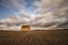 El palomar. (Amparo Hervella) Tags: zamora villafáfila españa spain paisaje palomar cielo nube naturaleza largaexposición d7000 nikon nikond7000