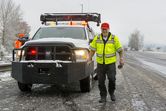 To the rescue (OregonDOT) Tags: winter snow snowstorm oregondot i5 willamettevalley salem incidentresponse