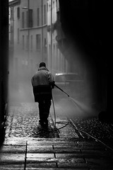 Cleaning up (Enricodot) Tags: italia bologna worker people blackandwhite bnw