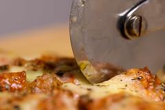 Sliced (Eric Tischler) Tags: flickrfriday welovepizza slicing pizza