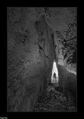 Entrée de la Grotte de l'ermitage - Cussey Sur Lison (francky25) Tags: entrée de la grotte lermitage cussey sur lison karst noir et blanc franchecomté doubs