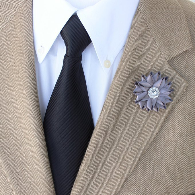 Mens Gifts Lapel Flower Custom Lapel Pin Mens Fashion Petal
