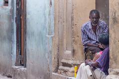 La Habana Vieja (Old Havana), Havana, Cuba (takasphoto.com) Tags: america caribbean cropsensor cuba d5000 havana hawana lahabana lens nikkor nikkor70300mmf4556gedifafsvrzoomlens nikon nikon70300mmf4556gedifafsvrnikkorzoomlens nikond5000 photography republicofcuba repúblicadecuba sancristóbaldelahabana street streetphotography telephoto telephotolens zoomlens гавана קובה كوبا هافانا キューバ ストリートスナップ ニコン ニコンd5000 ニッコール ハバナ 古巴 哈瓦那 아바나 쿠바