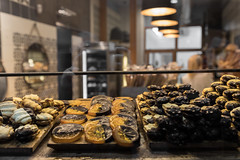 Pastry & sweets (michael_hamburg69) Tags: barcelona spain spanien barcelone barcelonés barcelonesa barcellona espagne españa spagna xībānyá katalonien catalonia cataluña pastry sweets keks cookies cookie katzenpfötchen katzenpfoten