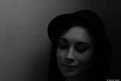 Caro (BenoitGEETS-Photography) Tags: caro caroline d610 mons nikon younglady bn bw nb noiretblanc nikonpassion chapeau hat