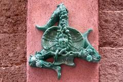 Cefalu, green ceramic trinacria on a pink wall (Sokleine) Tags: cefalu sicilia sicile sicily italia italie italy italien eu europe décorarchitectural architecture ceramica ceramic céramique majolique trinacria triskel pink rose mur wall green vert