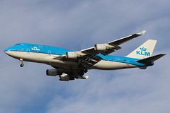 "PH-BFI | Boeing 747-406(M) | KLM ""Jakarta"" (cv880m) Tags: newyork jfk kjfk kennedy aviation airliner airline aircraft airplane jetliner airport phbfi boeing 747 744 747400 747406 combi klm netherlands royaldutchairlines jakarta jumbo"