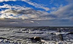 Ostsee (Wunderlich, Olga) Tags: ostsee insel rügen steine wasser sand wellen wolken himmel mäwe holzbuhne naturaufnahme landschaftsbild dranske