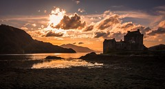 silhouette (Phil-Gregory) Tags: nikon tokina d7200 eileendonalcastle scotland scenicsnotjustlandscapes dusk sunset orange highlands naturalphotography naturephotography 116proatx 1120mmproatx11 1120mmproatx water loch lochduich