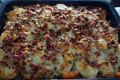 DSC00664 (Kirayuzu) Tags: essen food selbstgemacht selbstgekocht kartoffelauflauf gemüseauflauf auflauf kartoffeln gemüse speck bacon