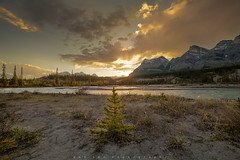 Last Chance (Bun Lee) Tags: canadianrockies landscape rockymountains alberta banffnationalpark bunlee bunleephotography canada clouds cloudy mountains nature river water saskatchewanrivercrossing
