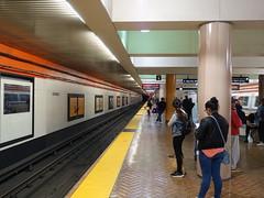 201809130 San Francisco BART station 'Powell Street' (taigatrommelchen) Tags: 20180939 usa ca california sanfrancisco downtown central perspective urban railway railroad mass transit subway station tunnel