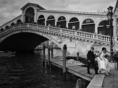 watch her step (paddy_bb) Tags: olympusomd paddybb 2018 mft microfourthirds italy architecture architektur italia seascape italien venice venezia veneto venedig venicelaguna cityscape mediterranean wwwpatblogde rialto canalegrande bw brücke sanmarco bride schwarzweis bridge