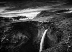 Waterfall of Mýrdalsjökull (azhukau) Tags: nature mountain landscape scenics waterfall outdoors river rockobject summer water travel europe iceland beautyinnature valley tourism hiking mountainpeak mýrdalsjökull glacier monochrome blackandwhite