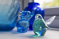 37-52: glasswares (matt_in_a_field) Tags: fuji fujinon fujifilm glass trinkets object trinket bird craft glassware blue