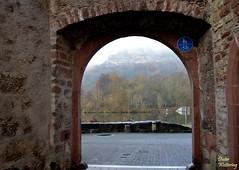 Blick durchs Maintor zur Karlsburg (diwe39) Tags: karlsburg karlstadt winter201819