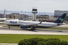 PR-AIX | AZUL Linhas Aereas Brasileiras | Airbus A330-243 | CN 372 | Built 2000 | LIS/LPPT 03/05/2018 | ex CS-TOT, VH-XFB, A6-EAC (Mick Planespotter) Tags: aircraft airport 2018 a330 portela delgado humbertodelgado humberto lisbon portugal praix azul linhas aereas brasileiras airbus a330243 372 2000 lis lppt 03052018 cstot vhxfb a6eac