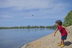 Diego brincando (mcvmjr1971) Tags: ilha do pontal lagoa piratininga niteroi mmoraes nikon d800e lens sigma 2435 art f20