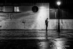 paris... (andrealinss) Tags: frankreich france paris parisstreet availablelight 35mm andrealinss bw blackandwhite schwarzweiss street streetphotography streetfotografie