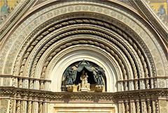 Timpaan....... (atsjebosma) Tags: details cathedral front orvieto tuscany italy atsjebosma 2018 timpaan architecture coth coth5