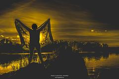 El Dorado (Paco Fuentes Vicario) Tags: puestadesol sunset agua cielo golden perfil contraluz río river rural españa ciel sky natural europa gold paysage paisaje landscape otoño tamron rock canon outside sinshine day sunlight light water tera