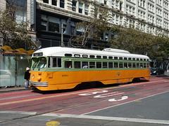 201809098 San Francisco tram (taigatrommelchen) Tags: 20180939 usa ca california sanfrancisco downtown sight icon urban city building railway railroad mass transit tram train muni street