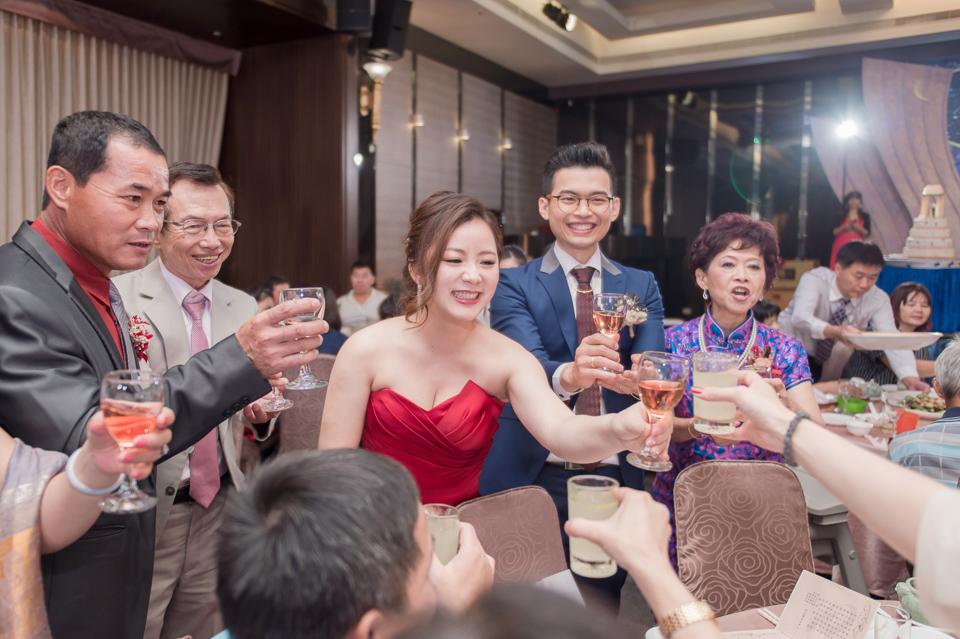 台南東東宴會式場 婚宴 走在幸福的紅毯上 R & B 153