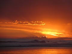 Atardecer sin sol (Monica Almassio (naomikean)) Tags: argentina necochea sunset nubes atardecer costa playa atlantico