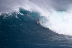 AlbeeLayerbarrel5JawsChallenge1Lynton (Aaron Lynton) Tags: jaws peahi xxl wsl bigwave bigwaves bigwavesurfing surf surfing maui hawaii canon lyntonproductions lynton kailenny albeelayer shanedorian trevorcarlson trevorsvencarlson tylerlarronde challenge jawschallenge peahichallenge ocean