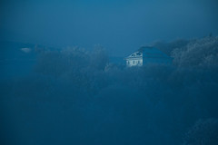 Surgie du brouillard (Gisou68Fr) Tags: lemarkstein loft hôtel ancienhôtelbellevue alsace hautrhin grandest 68 montagne forêt brume brouillard woods mist fog foggy brumeux maison bâtiment